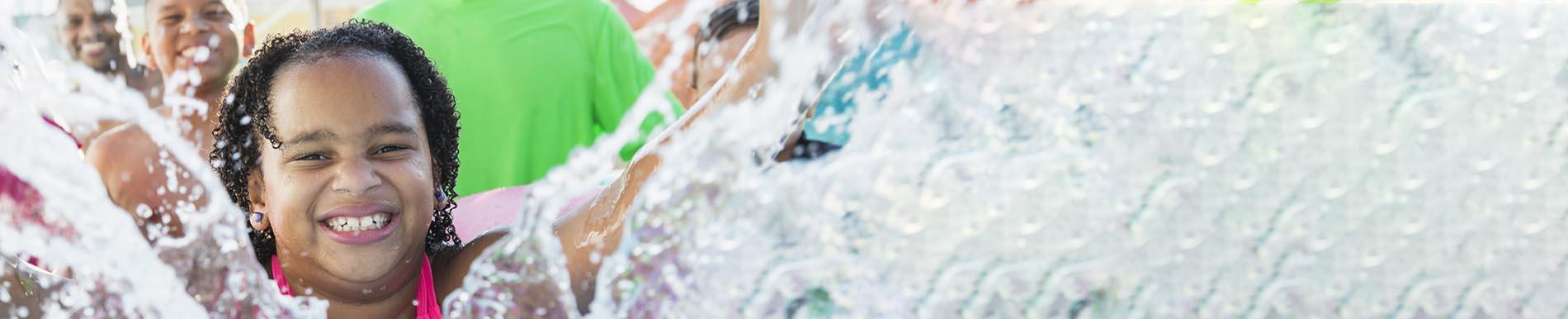https://www.healthychildren.org/SiteCollectionImage-Homepage-Banners/WaterParkBanner_es.jpg