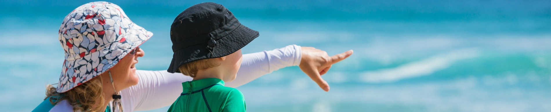 https://www.healthychildren.org/SiteCollectionImage-Homepage-Banners/mom_son_beach_hats_point.jpg