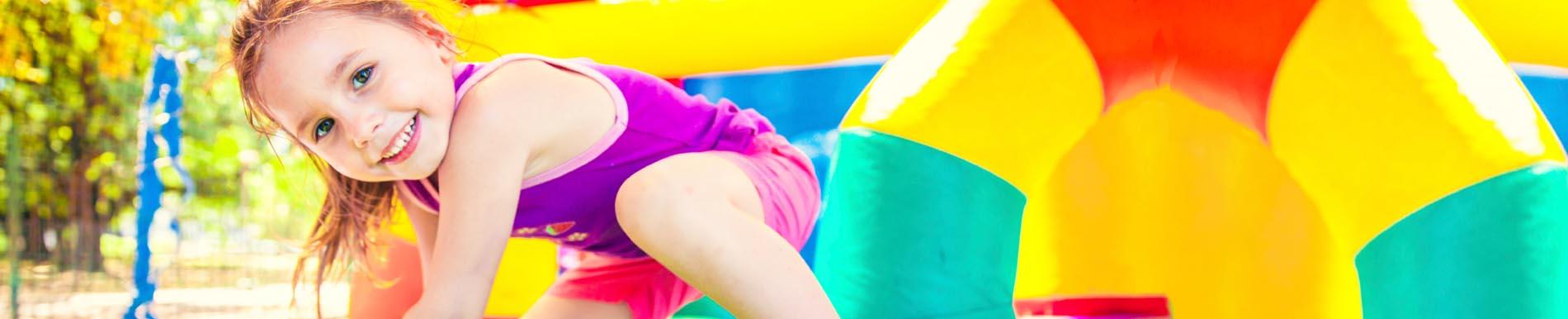 https://www.healthychildren.org/SiteCollectionImages/bouncehouse_girl_homepage.jpg